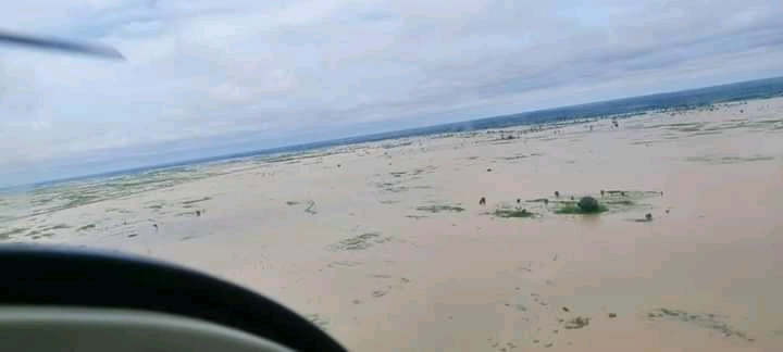 FB IMG 16005042851935670 fed5056c3c1d5282d7848afa61e15691 - Kebbi State now like the Atlantic Ocean, Deputy Gov. laments during flood inspection
