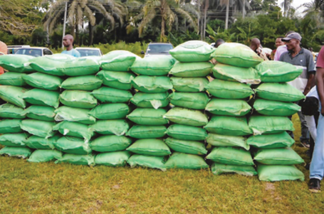 Kebbi State Government donates relief materials to victims of rainstorm